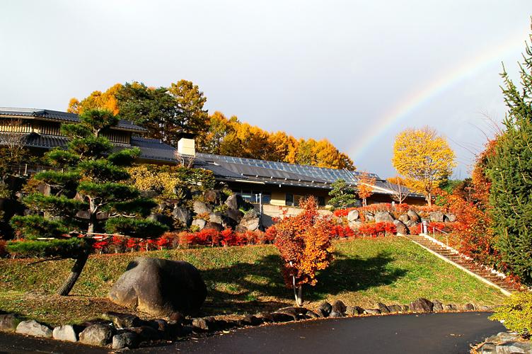 11月 布施温泉と虹
